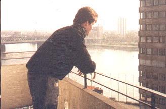 Andreas Klamm auf dem Balkon alt 2